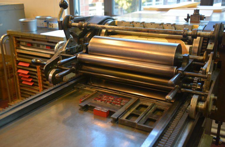 Czy warto zlecać drukowanie katalogów szytych?