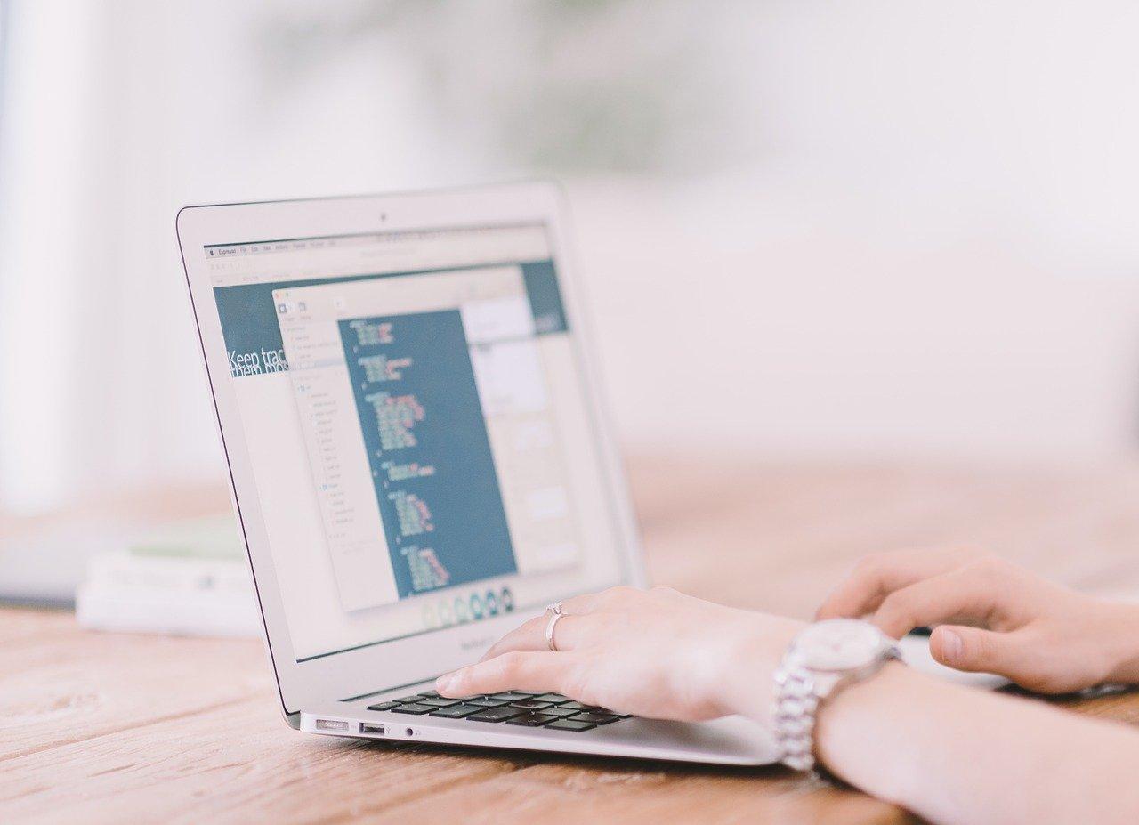 Jak zadbać o oprawę graficzną firmy?